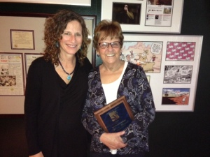 Leadville Herald Democrat editor Marcia Martinek, right, with her 2015 SPJ First Amendment Award and Ashley Kissinger.